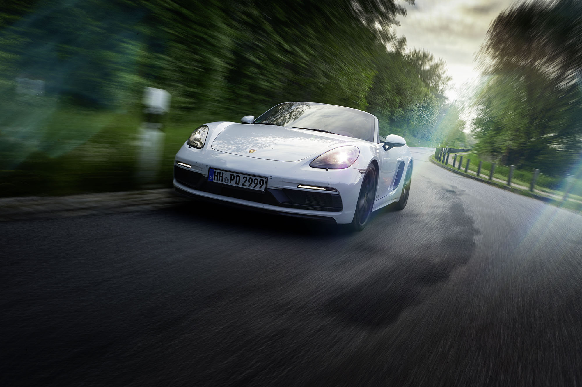 boxster_front_dynamic_01_flare